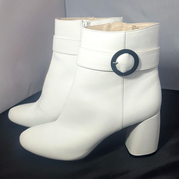 Euc Nine West Kyra Ankle Boots White Sz